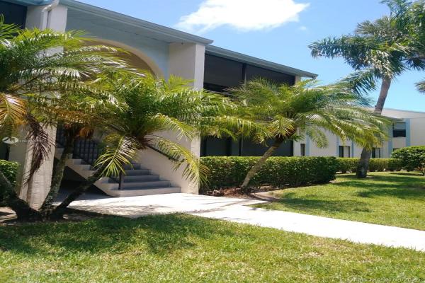 1103 Green Pine Blvd, West Palm Beach