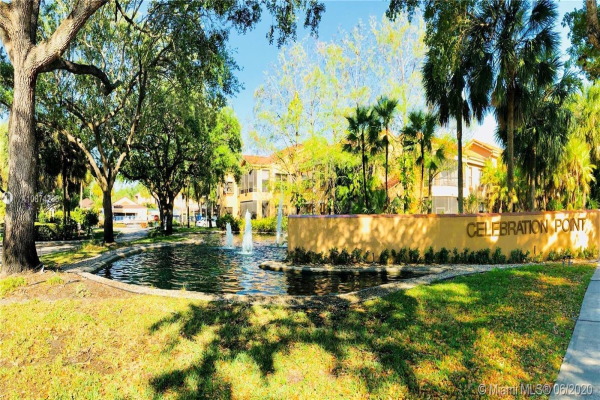 15575 N Miami Lakeway N, Miami Lakes