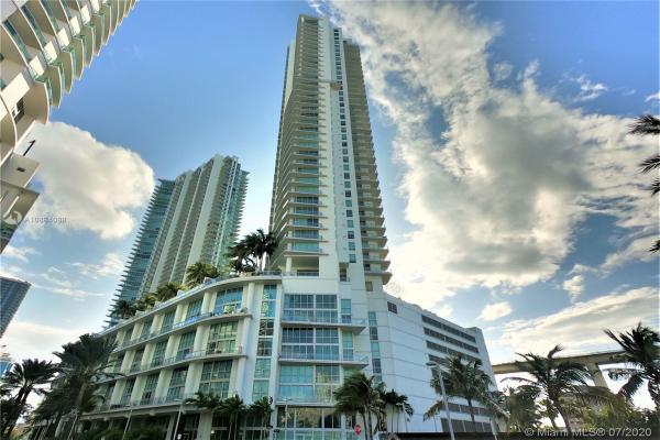 90 SW 3rd St, Miami
