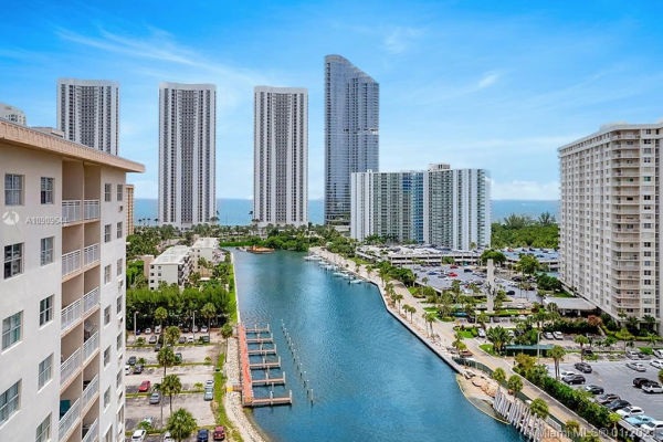 400 Kings Point Dr, Sunny Isles Beach