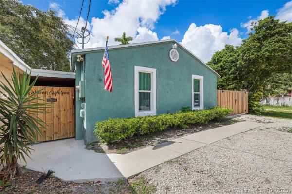1518 SW 27 CT, Fort Lauderdale