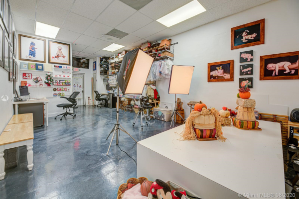 Photo Studio, Kendall