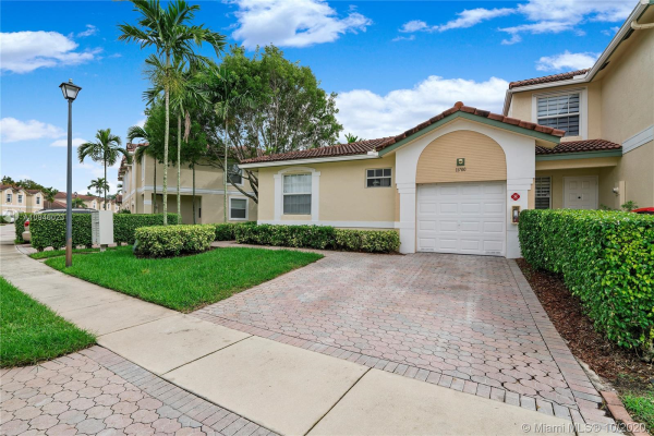 11700 NW 47th Dr, Coral Springs