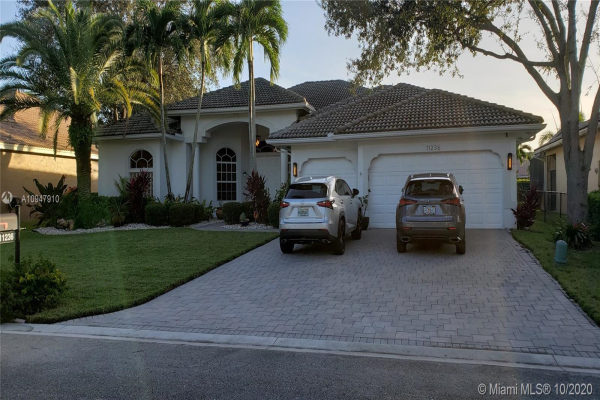 11236 NW 49th St, Coral Springs