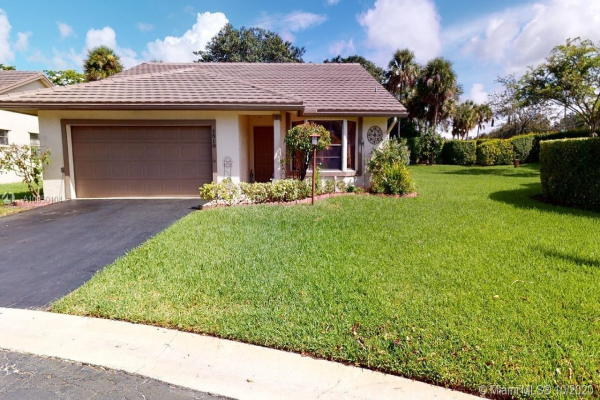 1510 Lakeview Cir, Coral Springs