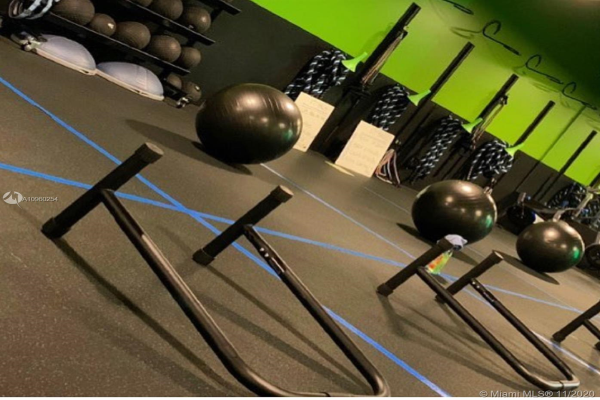 Fitness Training Franchise Gym, Parkland