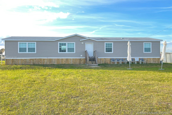 297 GRAHAM DAIRY DR, Other City - In The State Of Florida