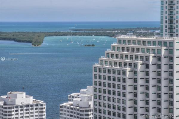 68 SE 6th St, Miami