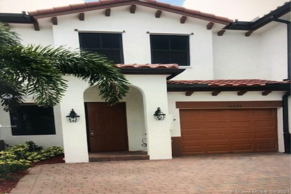 10274 NW 88th Ter, Doral