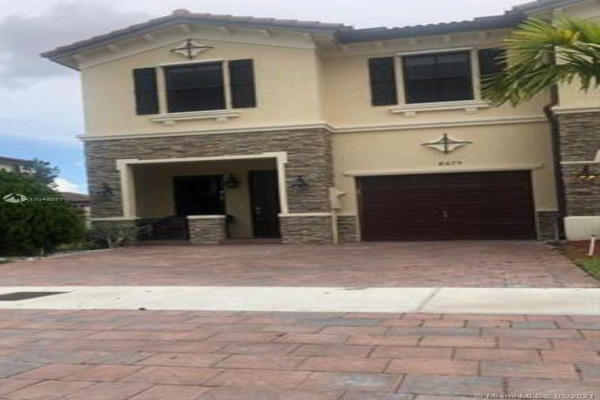 8675 NW 98th Ave, Doral