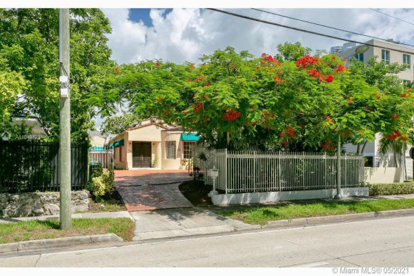 1642 Brickell Ave, Miami