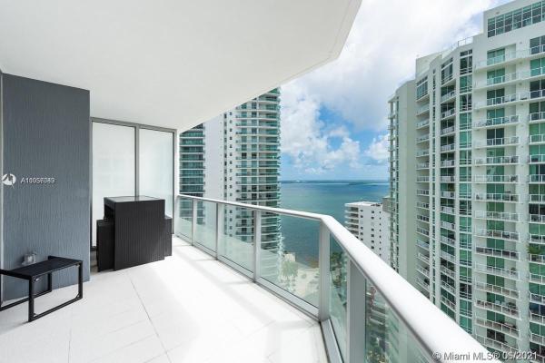 1300 Brickell Bay Dr, Miami