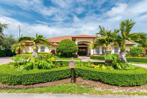 9801 SW 73rd Ave, Pinecrest