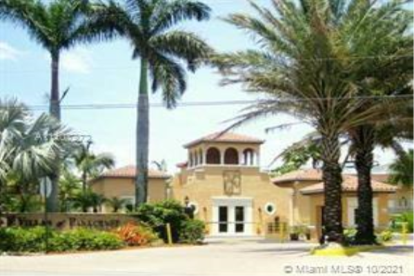 8600 SW 67th Ave, Pinecrest