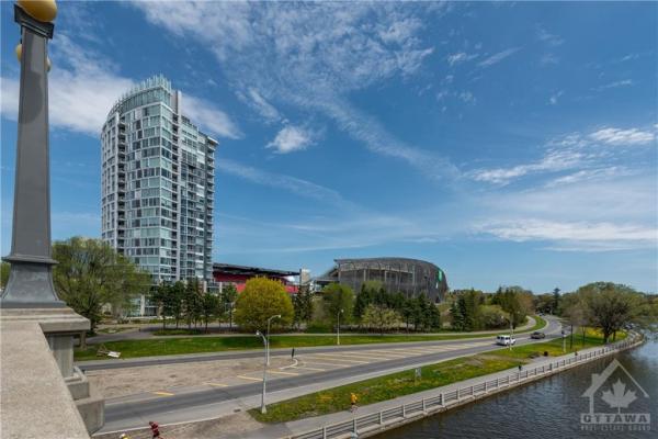 1035 BANK Street, Ottawa