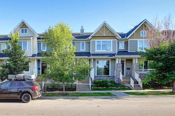 2631 DALLAIRE Avenue SW, Calgary
