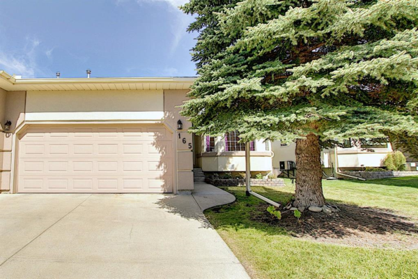 165 Lakeside Greens Place, Chestermere
