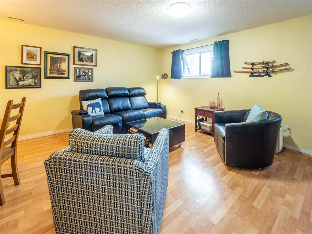 Listing A1036861 - Thumbmnail Photo # 7