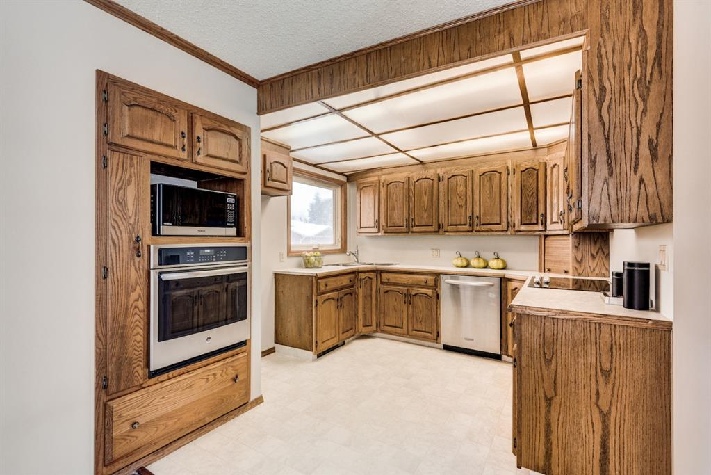 Listing A1043835 - Large Photo # 9