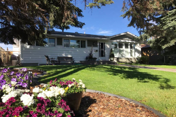 2412 Langriville Drive SW, Calgary