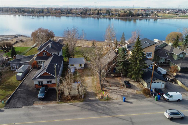 227  EAST CHESTERMERE Drive, Chestermere