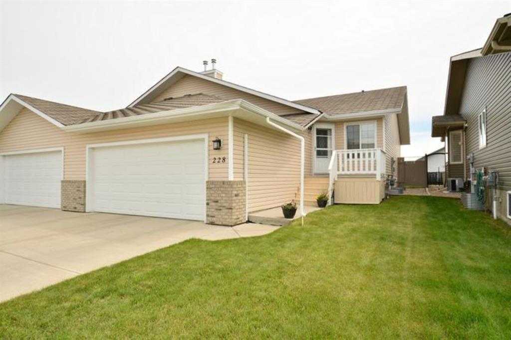 Listing A1047895 - Large Photo # 2