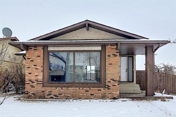 984 Berkley Drive NW, Calgary