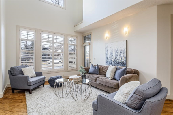 2405 Bowness Road NW, Calgary