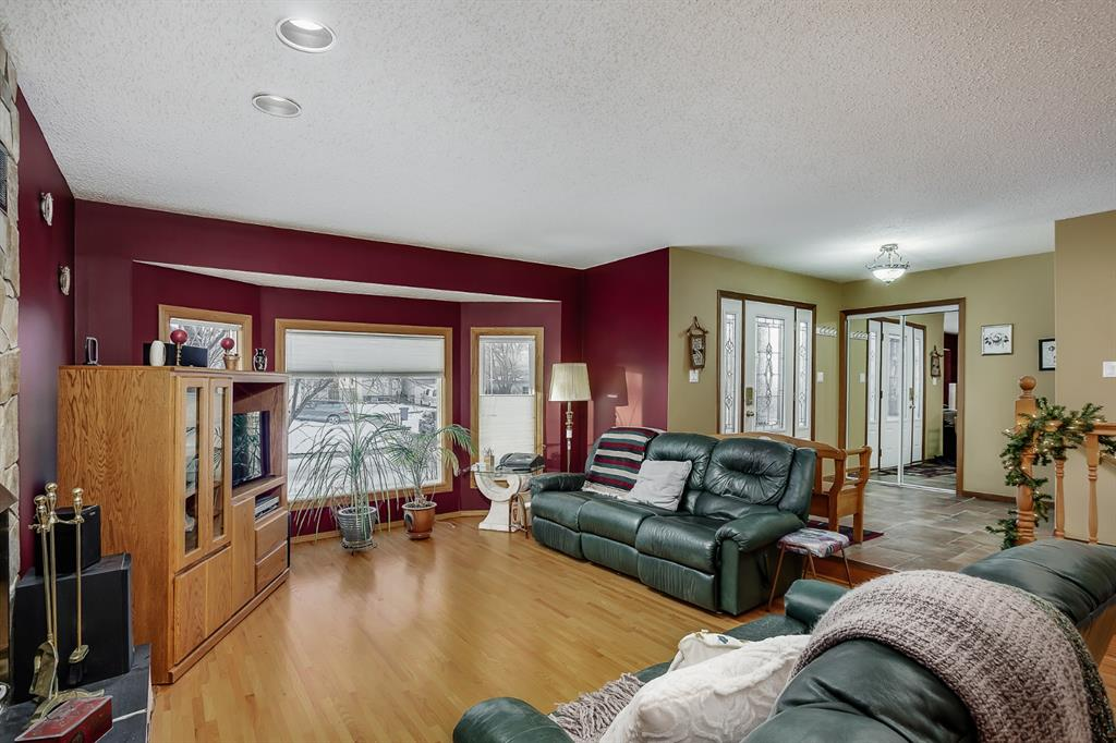 Listing A1054088 - Large Photo # 2