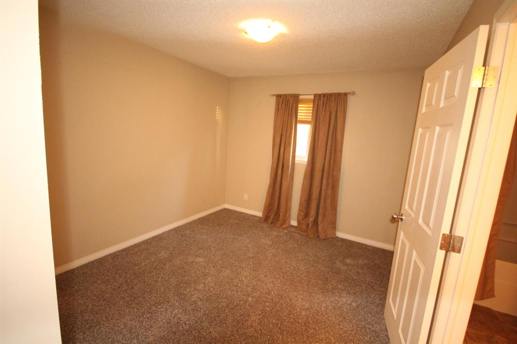 Listing A1055186 - Thumbmnail Photo # 20