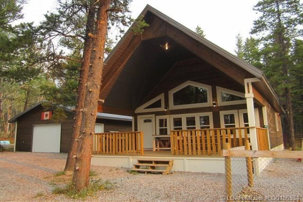 2561 Tecumseh Road, Rural Crowsnest Pass