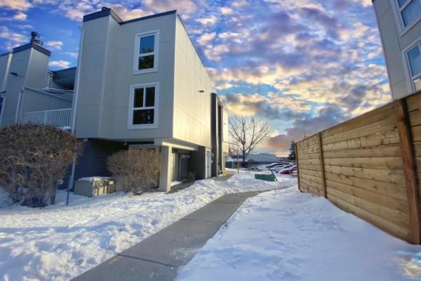 13104 Elbow Drive SW, Calgary