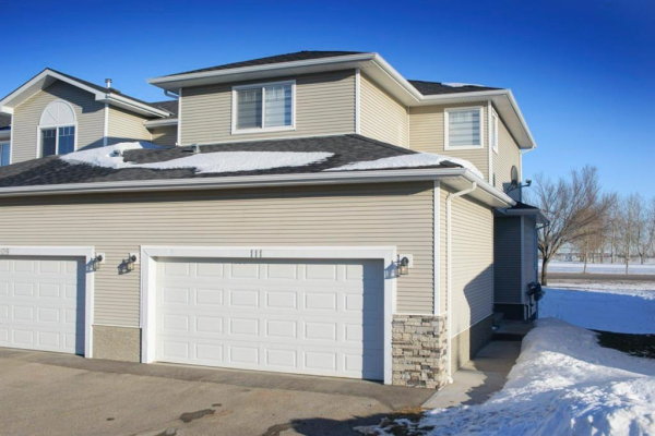 111  Hillview  Terrace, Strathmore