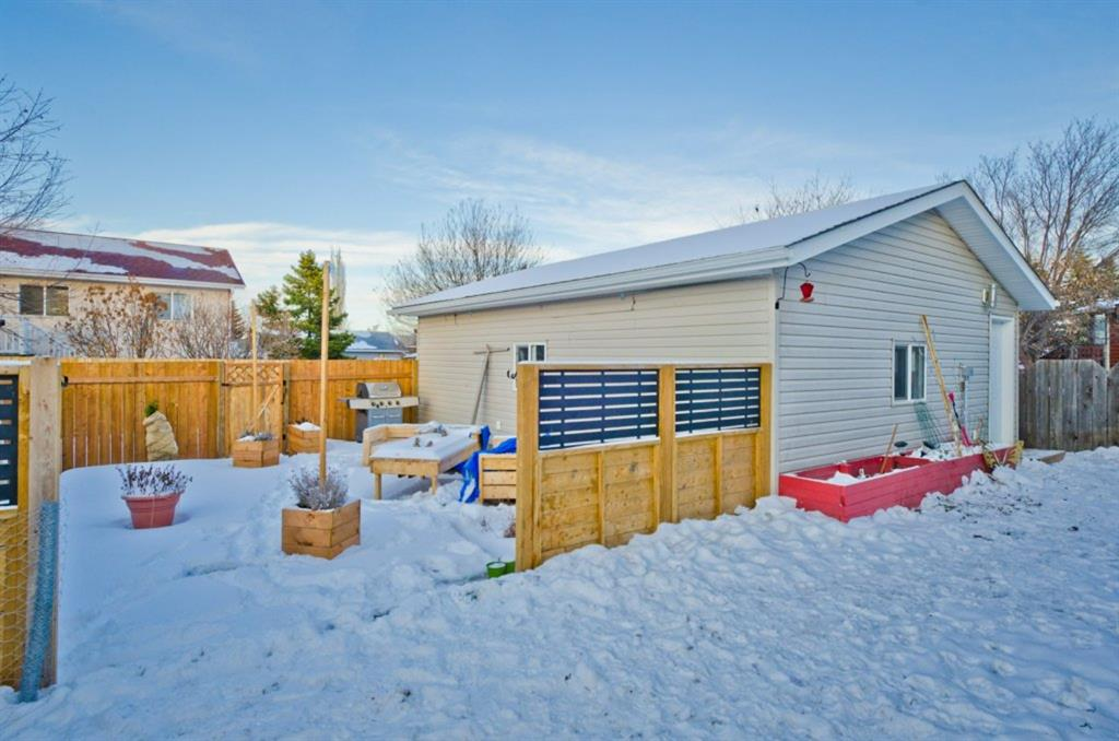 Listing A1059573 - Large Photo # 32
