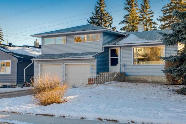 407 49 Avenue SW, Calgary