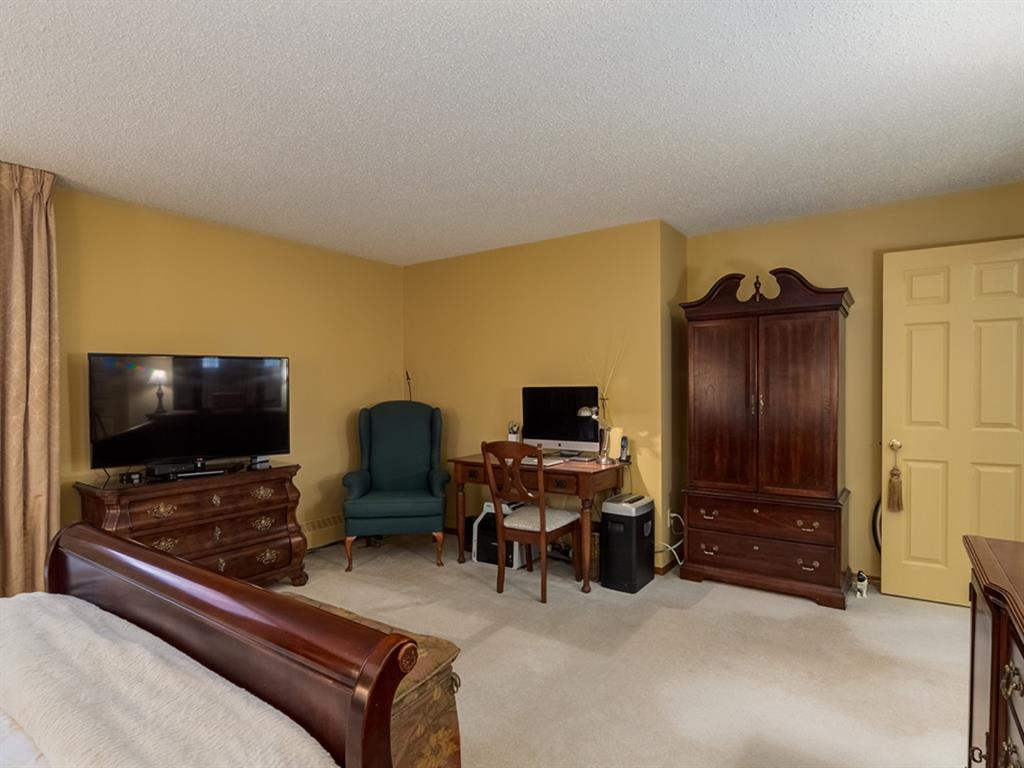 Listing A1061280 - Thumbmnail Photo # 20