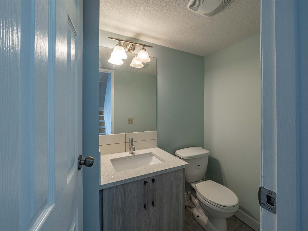 Listing A1062852 - Thumbmnail Photo # 7