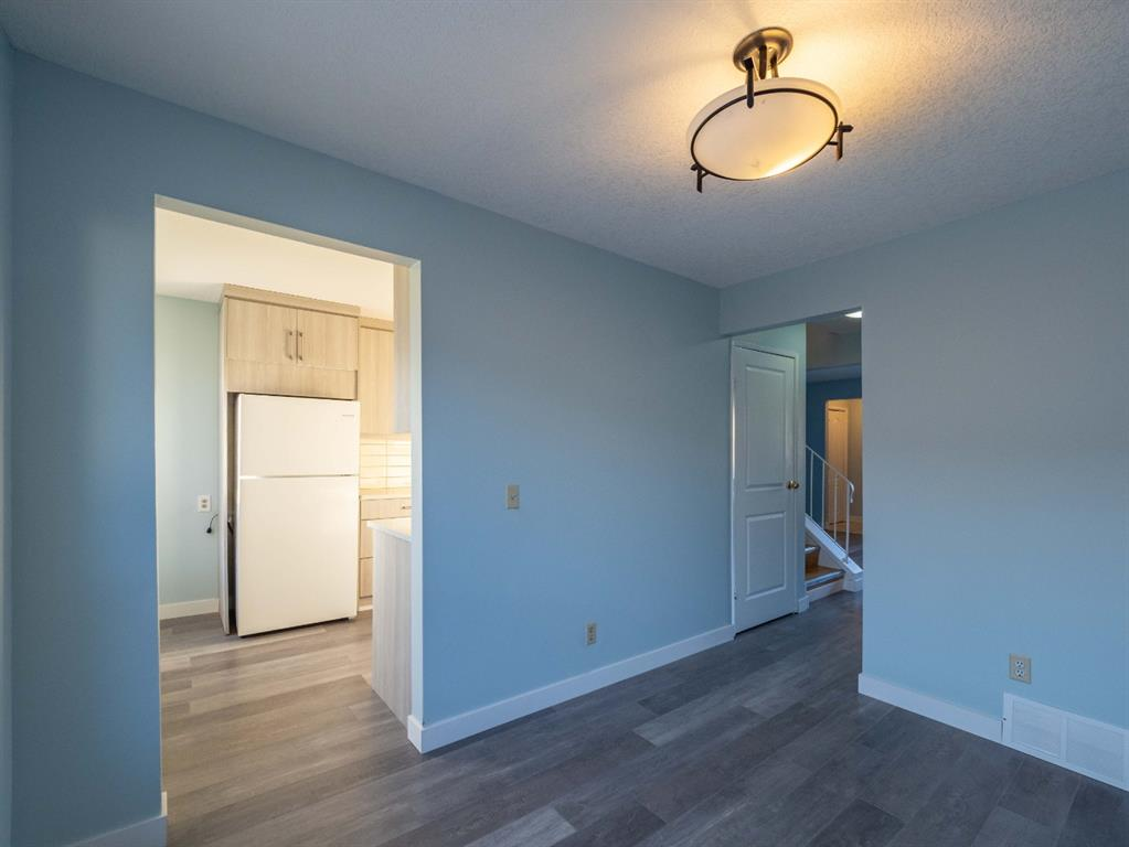 Listing A1062852 - Thumbmnail Photo # 9