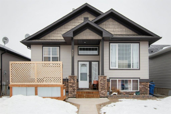 537  Country Meadows Way, Turner Valley