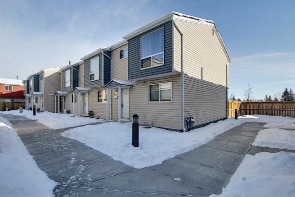 5425 Pensacola Crescent SE, Calgary