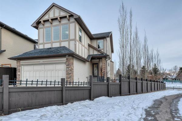 174 Valleyview Court SE, Calgary