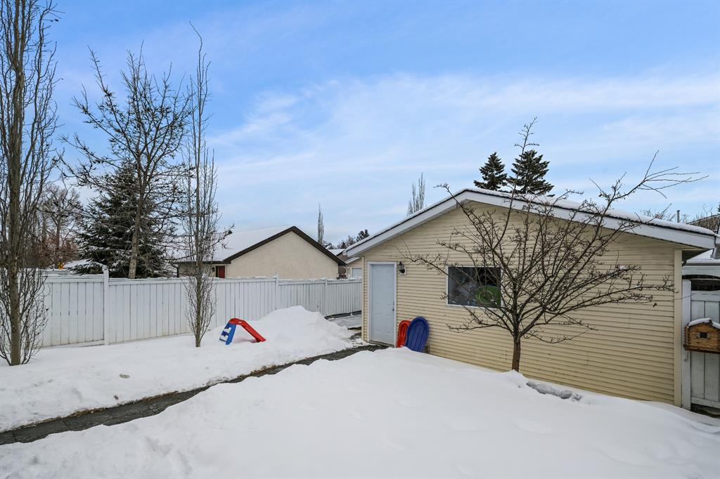 Listing A1066146 - Thumbmnail Photo # 29