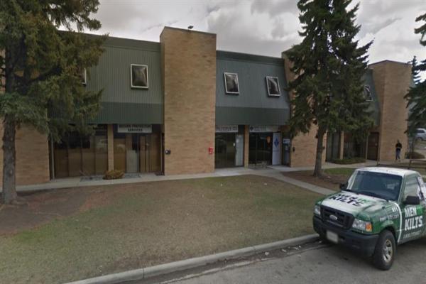 1915 27 Avenue NE, Calgary