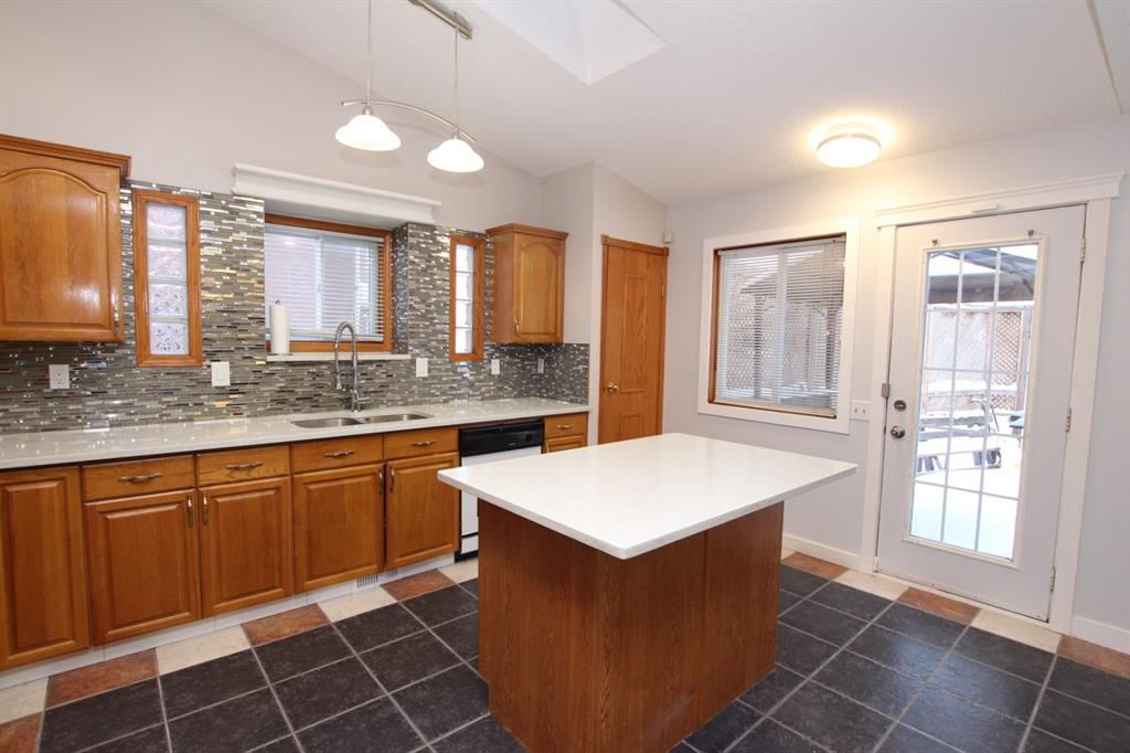Listing A1066695 - Large Photo # 21