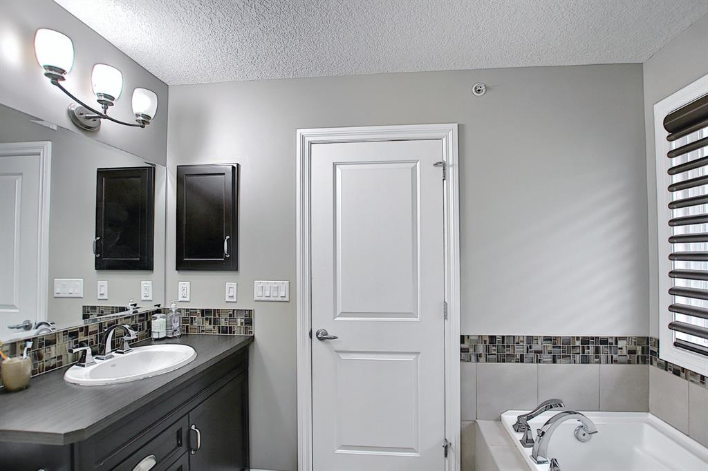 Listing A1071535 - Large Photo # 28