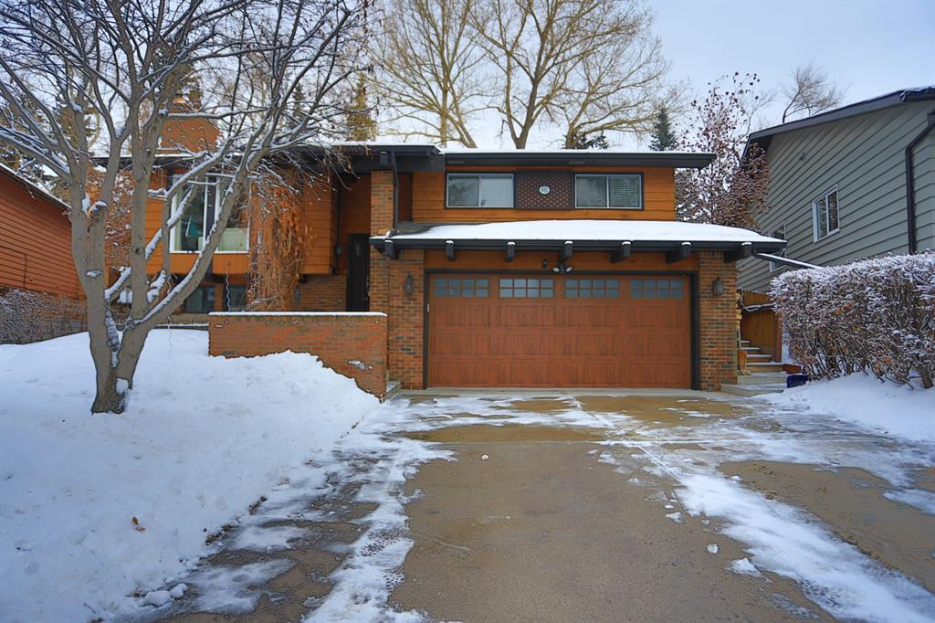 Listing A1071582 - Large Photo # 1