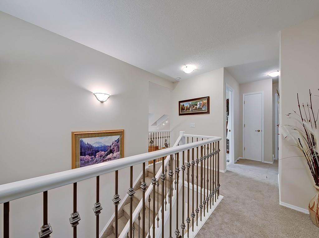 649 Woodside Court NW, Airdrie