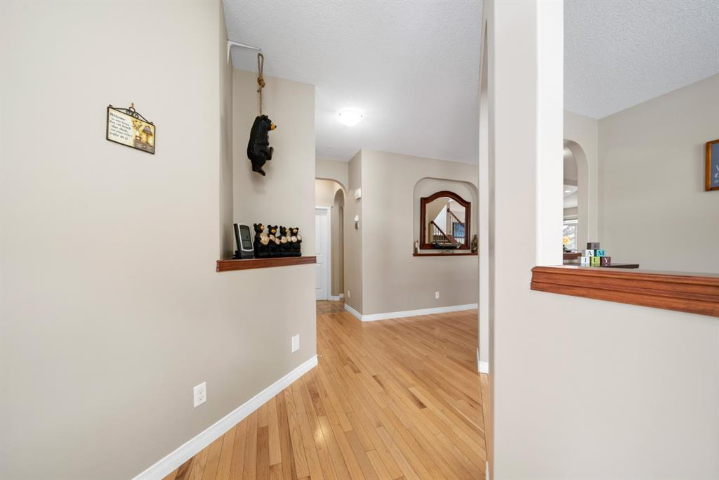 Listing A1074152 - Large Photo # 3