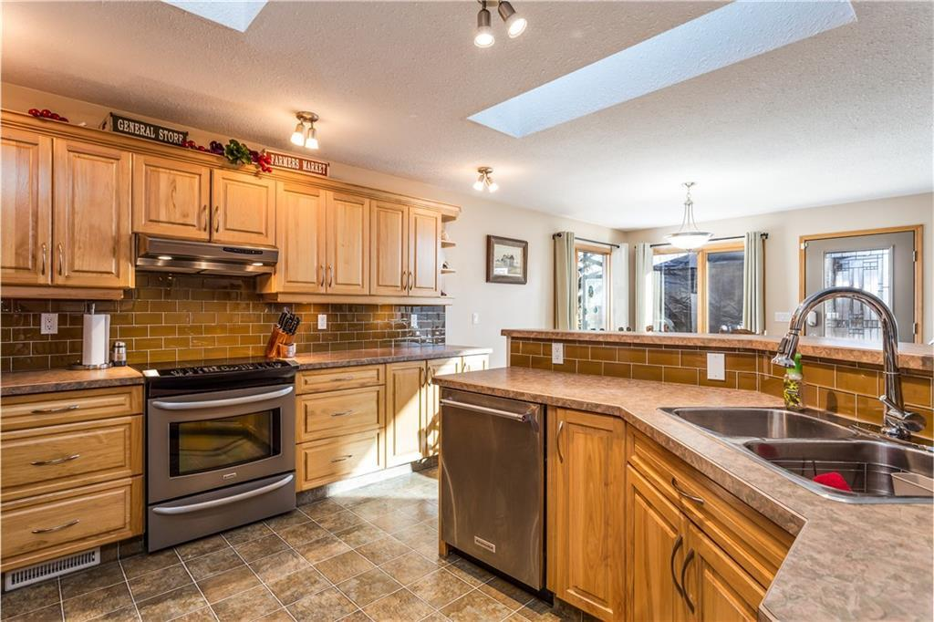 Listing A1074498 - Large Photo # 12