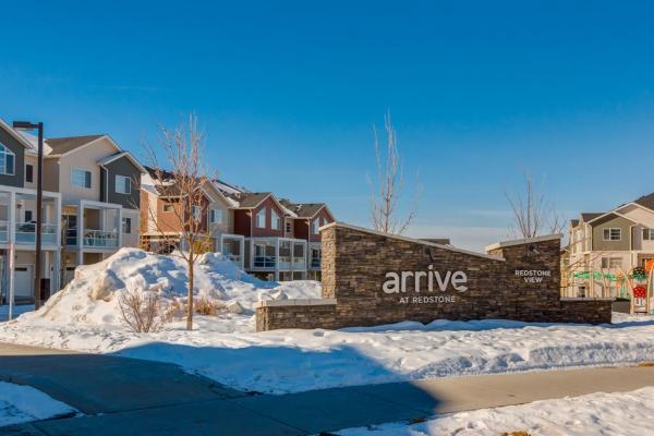 427 Redstone View NE, Calgary